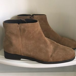 Aerosoles StitchNTime  Leather Booties EUC SZ 8.5W